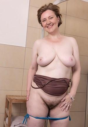 Big Tits Bathroom Porn Pictures