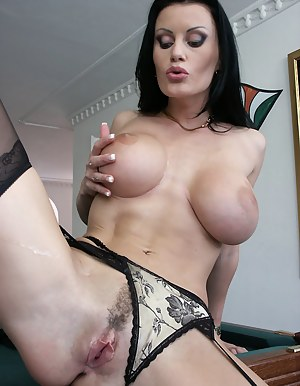 Big Tits Trimmed Pussy Porn Pictures